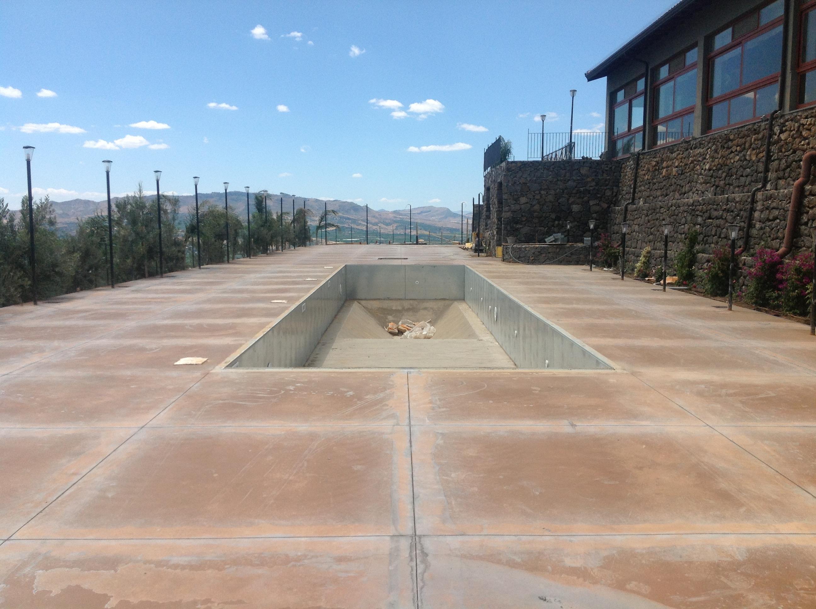 Piscine prefabbricate enna progettazione piscine - Costruzione piscina in cemento armato ...