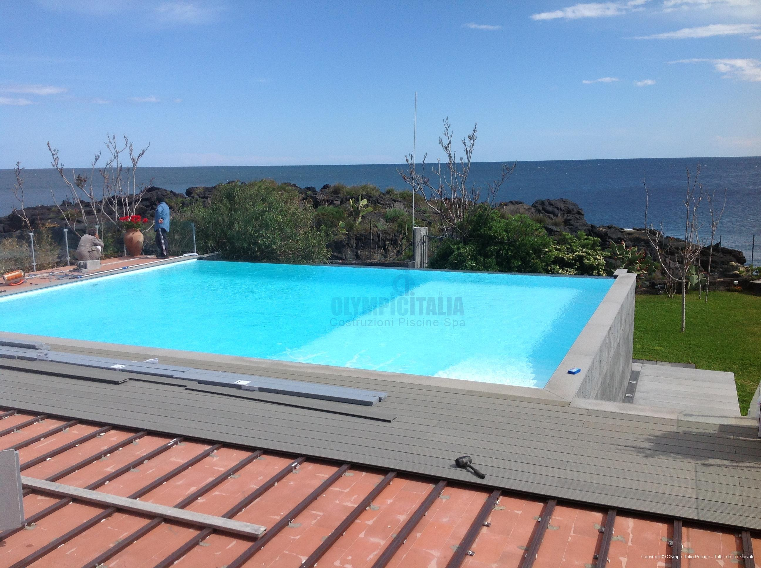 Piscine Sfioro A Cascata costruzione piscina bordo sfioro - struttura prefabbricata